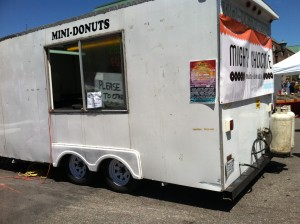 mini donuts cart
