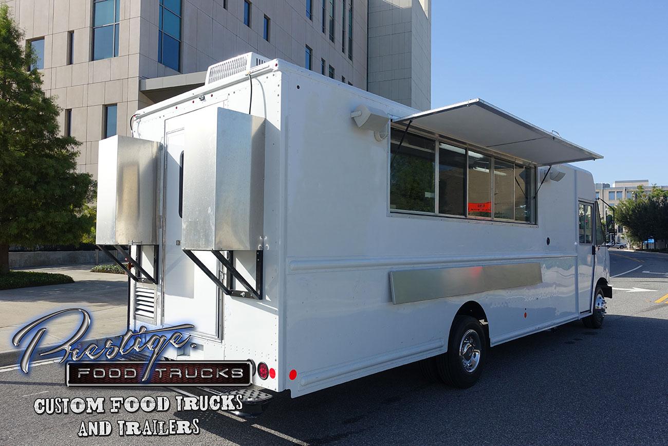 2017 Ford Gasoline 22ft Food Truck 165 000