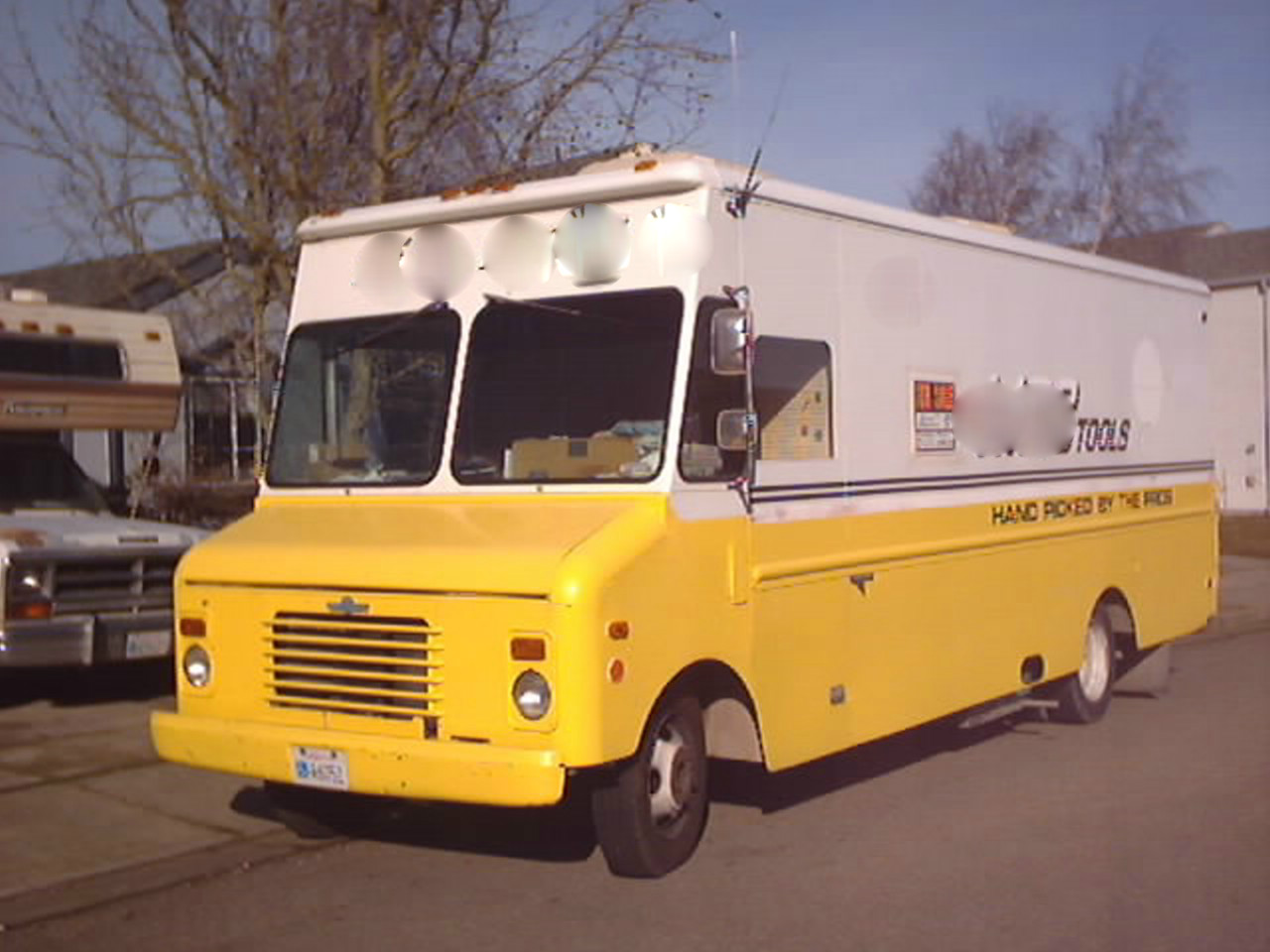 1988 -18' GMC P30 Grumman Kurbmaster Commercial Display ...