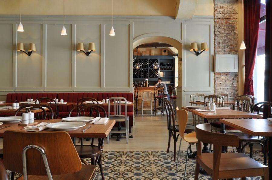 Bistros are delightful mini-restaurant bars