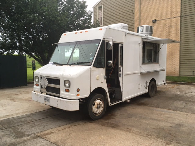 Food Sale: Used 2001 White Freightliner MT-45 Food Truck For Sale In