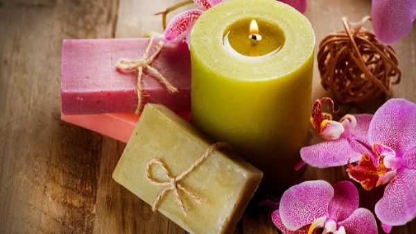 Make candles and soap together for bath-time relaxation