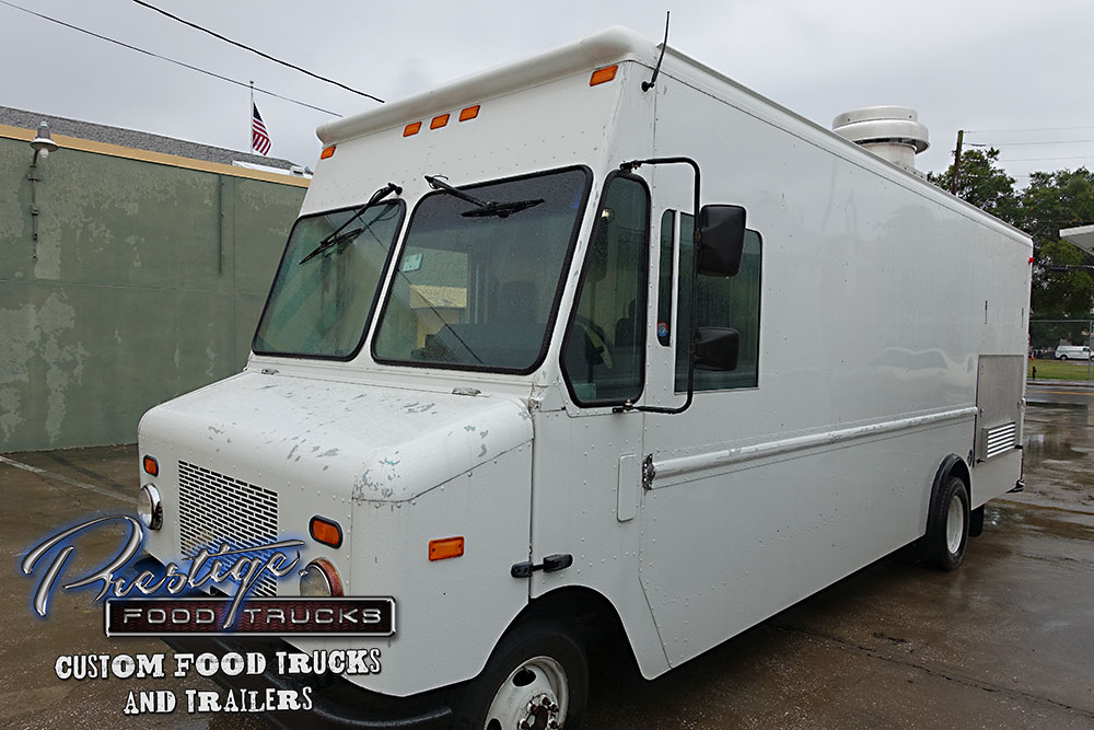 Food Sale: 2007 Ford Gasoline 18ft Pizza Food Truck