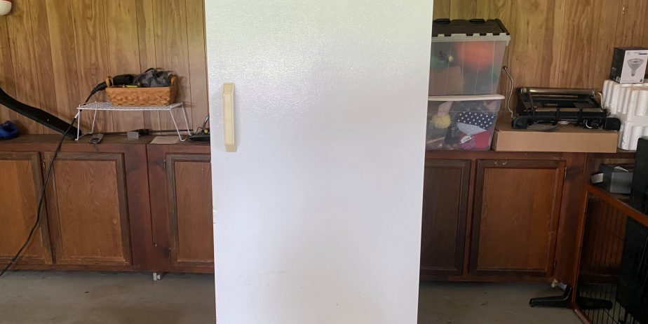 Frost-free-Gibson-stand-up-commercial-freezer-2-scaled-1