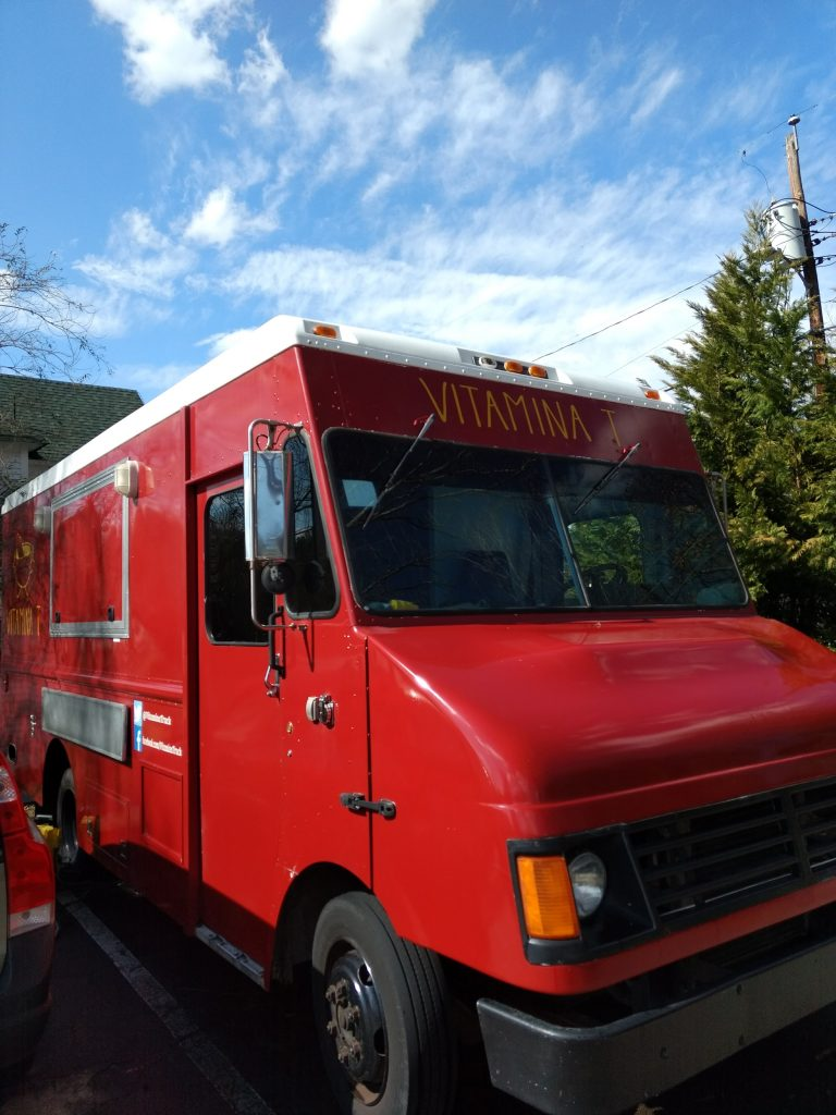 Vitamina T 2004 Freightliner Mt 45 Food Truck For Sale In